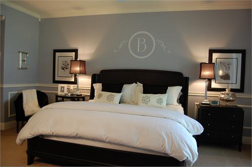 white bedding! blue paint wall color. blue brown white bedroom colors