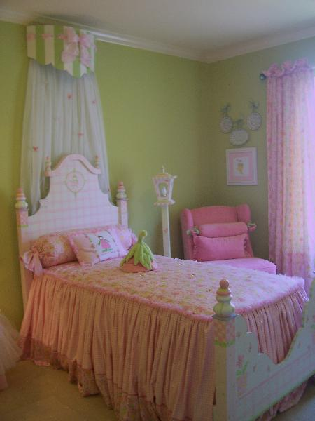 Life with Lia: Lime Green and Hot Pink