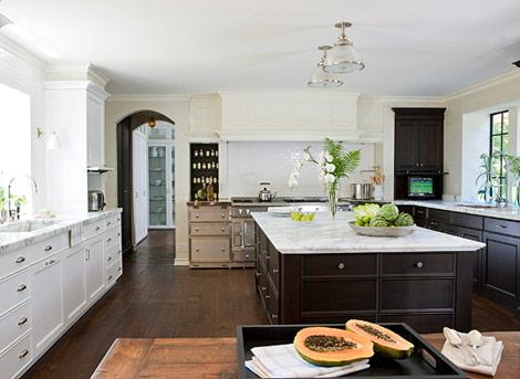 Suzie: Mick de Giulio  Lovely kitchen design with white kitchen cabinets & espresso brown ...