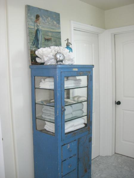 Vintage White Painted Metal Gl Medical Cabinet 35 3 4w X 16d 65 4h One Drawer Is Locked No Key Deal Mp 595 00 Pinterest