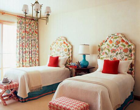 bedrooms - turquoise blue lamp red pillows twin beds pink houdstooth ottomans bench benches  turquoise and red