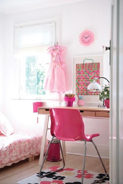 fun girl wallpaper. Fun, whimsical girl's room! Wood platform bed, wood sawhorse .
