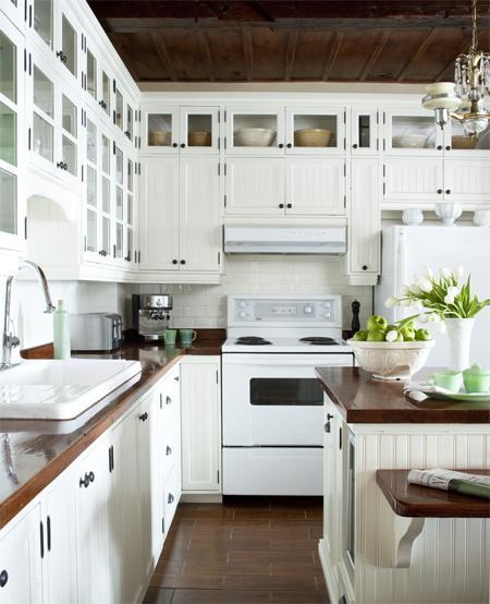Migonis Home: white kitchen & butcher block counters