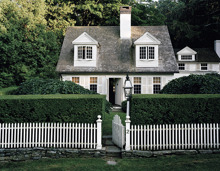 Suzie: Douglas Friedman Photography.  Adorable Cape Cod Cottage with gray shingles, white ...